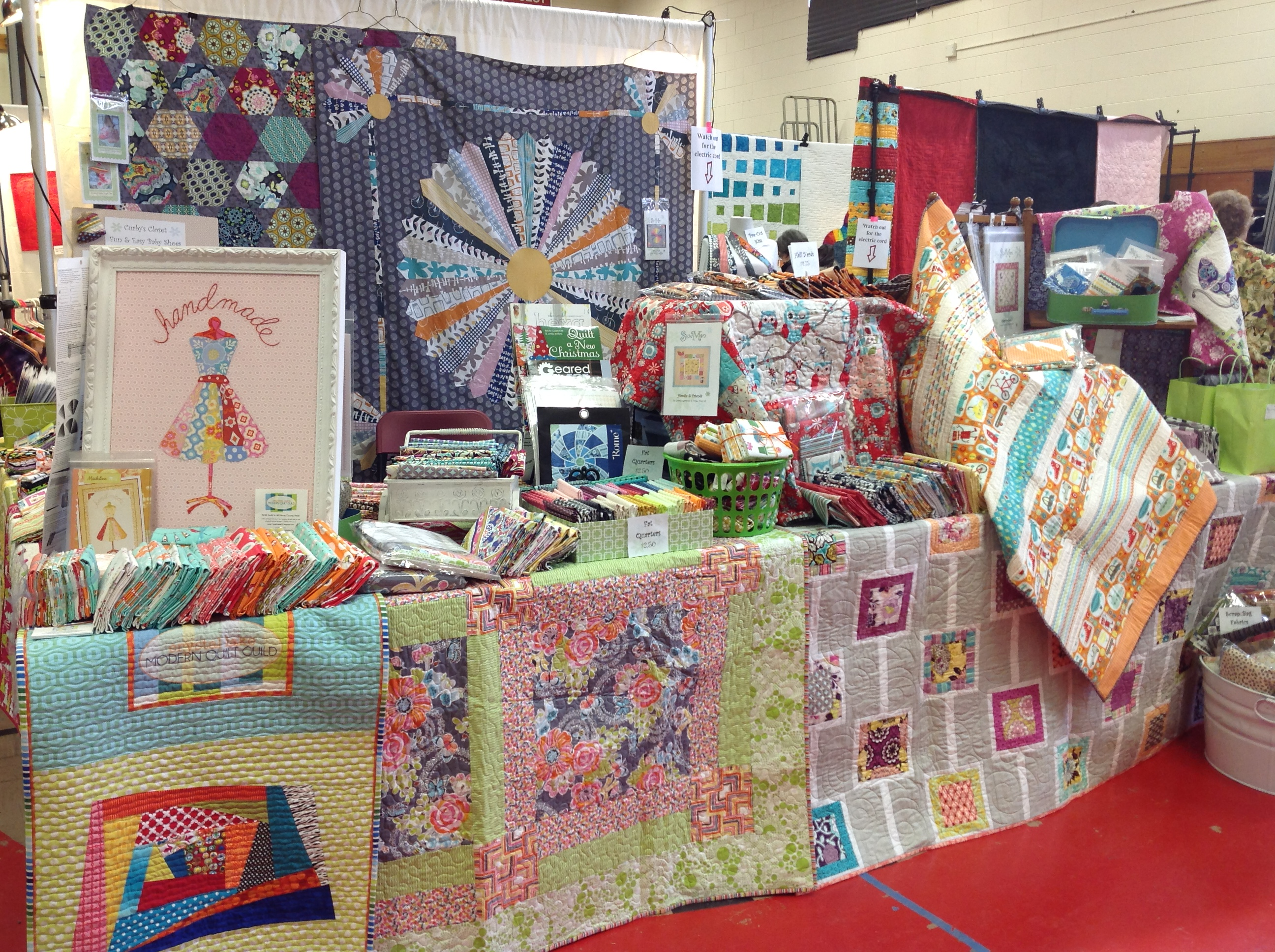 Quilt Guild Demo Ideas : quilt show booth ideas SewMod