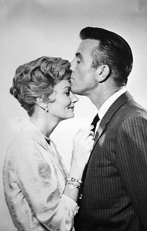 june_and_ward_cleaver