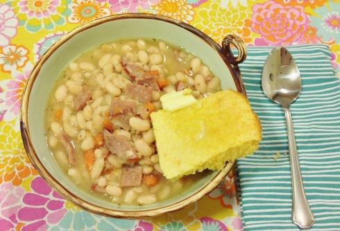 sewmod retro housewife beans and cornbread