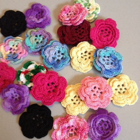 Sewmoddesigns crochet flowers