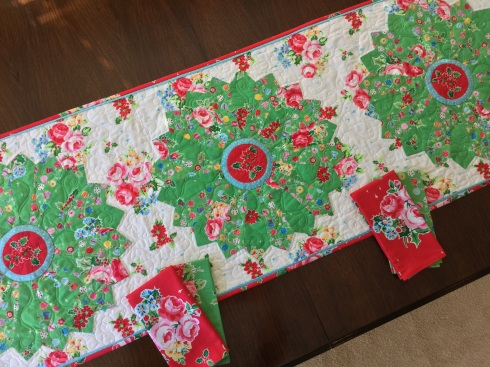 Garden dresden table runner