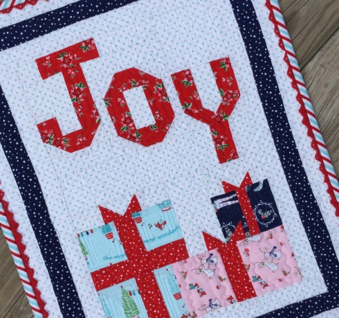 Comfort and joy mini quilt